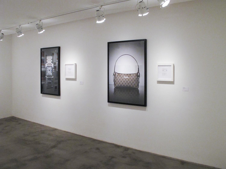 Cartier Tank: R$ 120,00 e   Gucci: R$ 105,00(série O Que Te Seduz) • vista da exposição