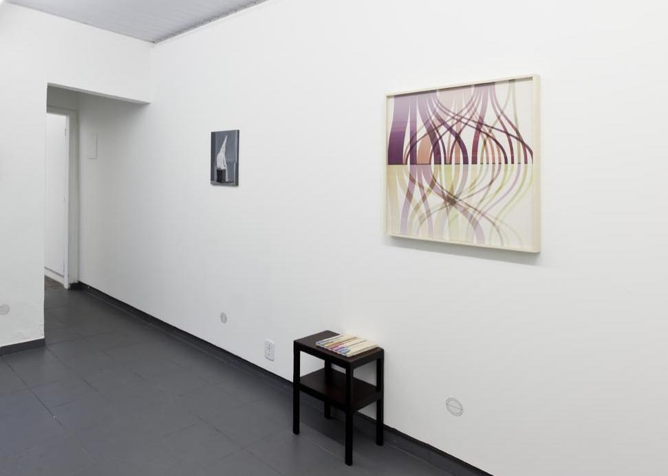 Exposição coletiva  Azimute  no Projeto Fidalga, São Paulo, 2013. Foto: Ding Musa.