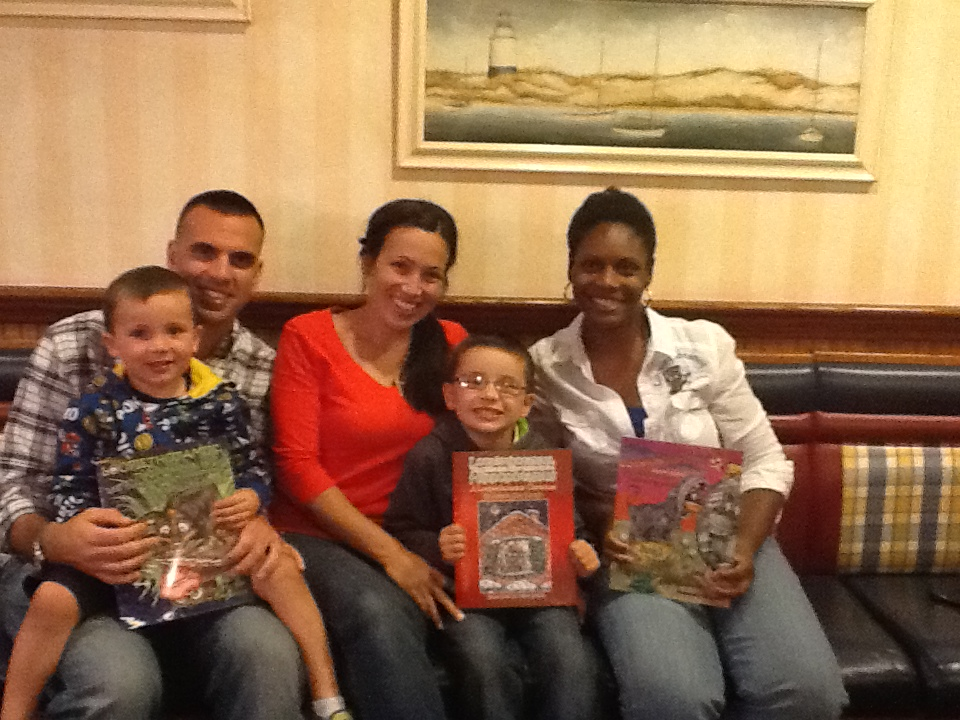 pic of a family i read my books to at friendlys on 100813.jpg