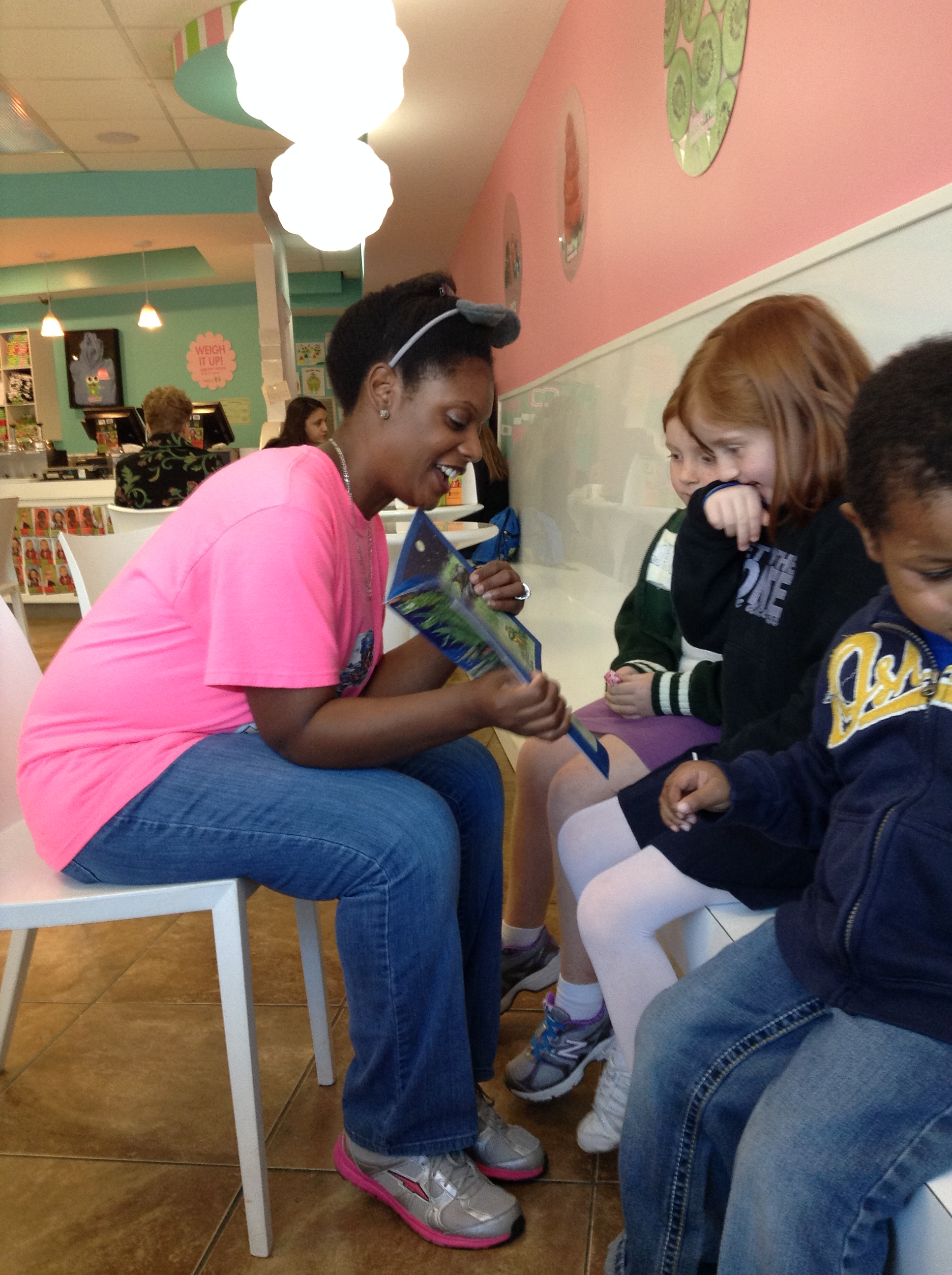 Sweet Frog Book Signing 102513 Pic 9.jpg