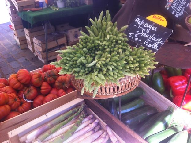 Wild Asparagus on sale at Marché d'Aligre