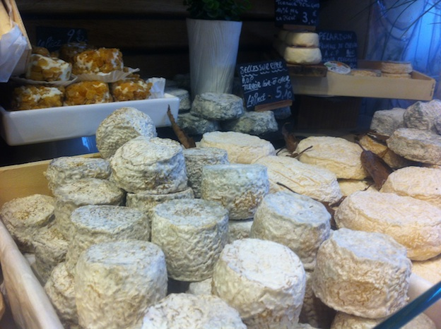 Selection of artisanal cheeses at L'Alpage, 15 rue d'Aligre 75012