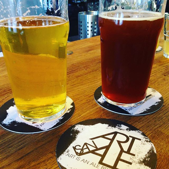 First pint at @artisanalebrewing in Amboise! Getting into this Chromatic Cream Ale & Abstract Amber Ale. Check out the Paris Paysanne Podcast for my chat with the brewery's Co-owner Katie and if you're in the neighborhood stop by and have a drink!! 🍻 🍻 🍻