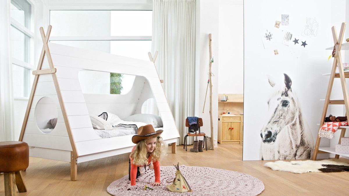 Łóżko-namiot ,  okrągły, pleciony dywan