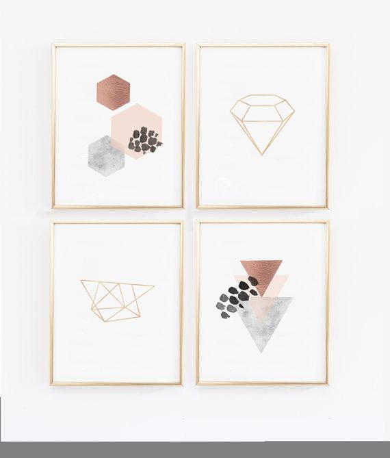 Zestaw czterech geometrycznych plakatów