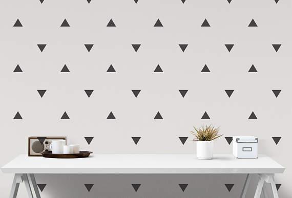 Naklejki na ścianę trójkąty