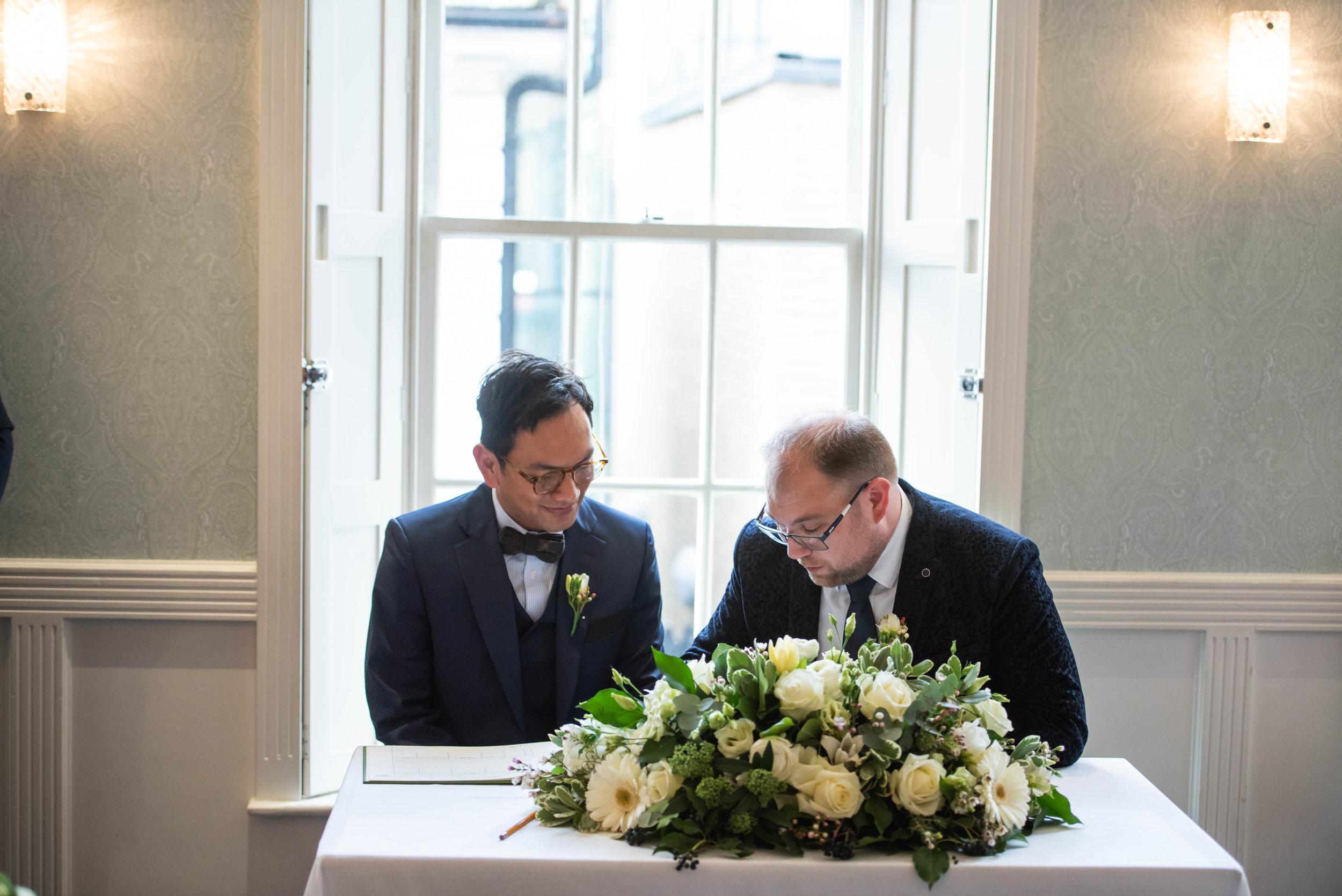 Fredericks London Islington Wedding (33 of 84).jpg