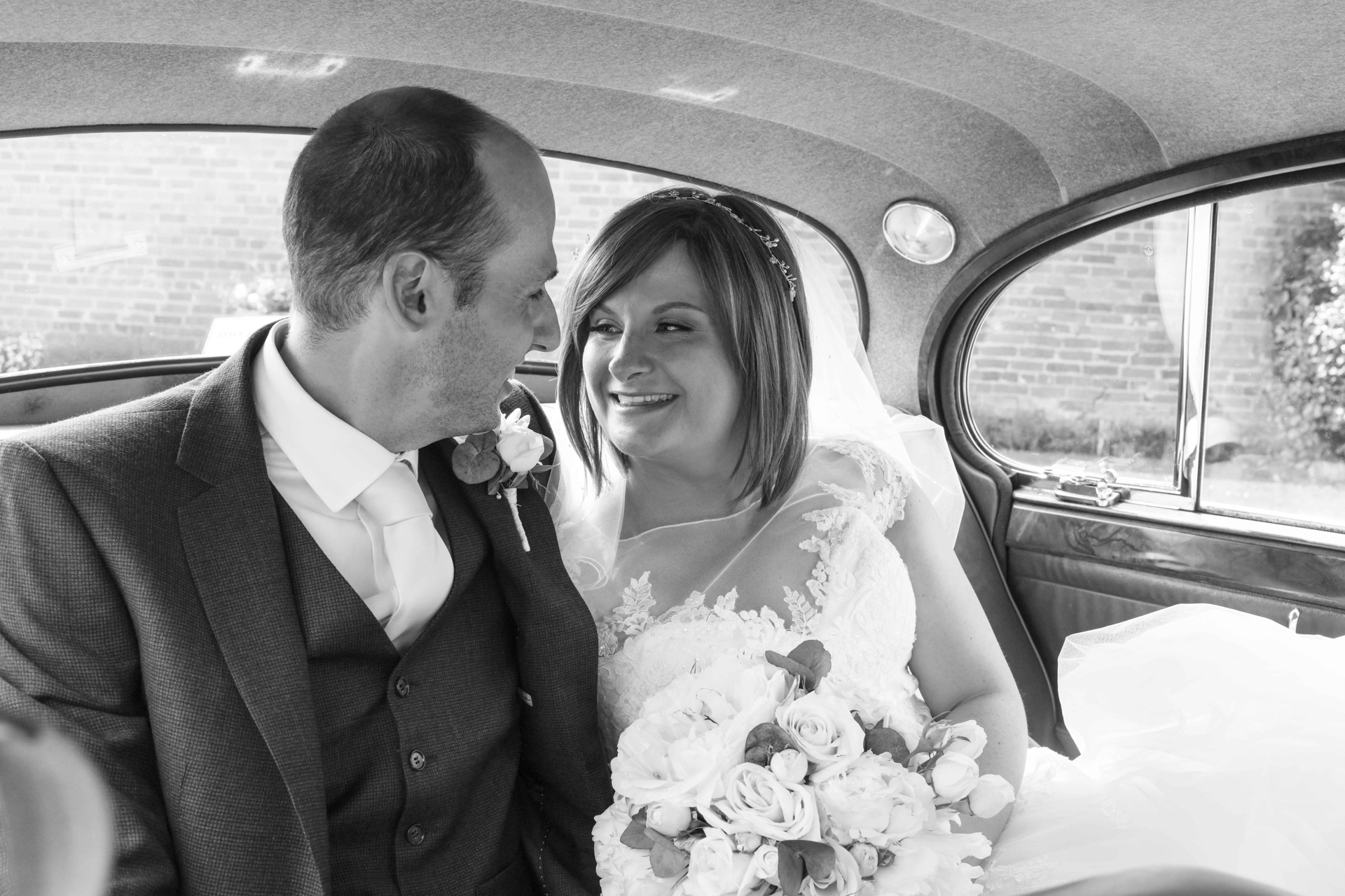 Lillibrook Manor Barn Wedding, Maidenhead, Alexandria Hall Photography (51 of 82).jpg