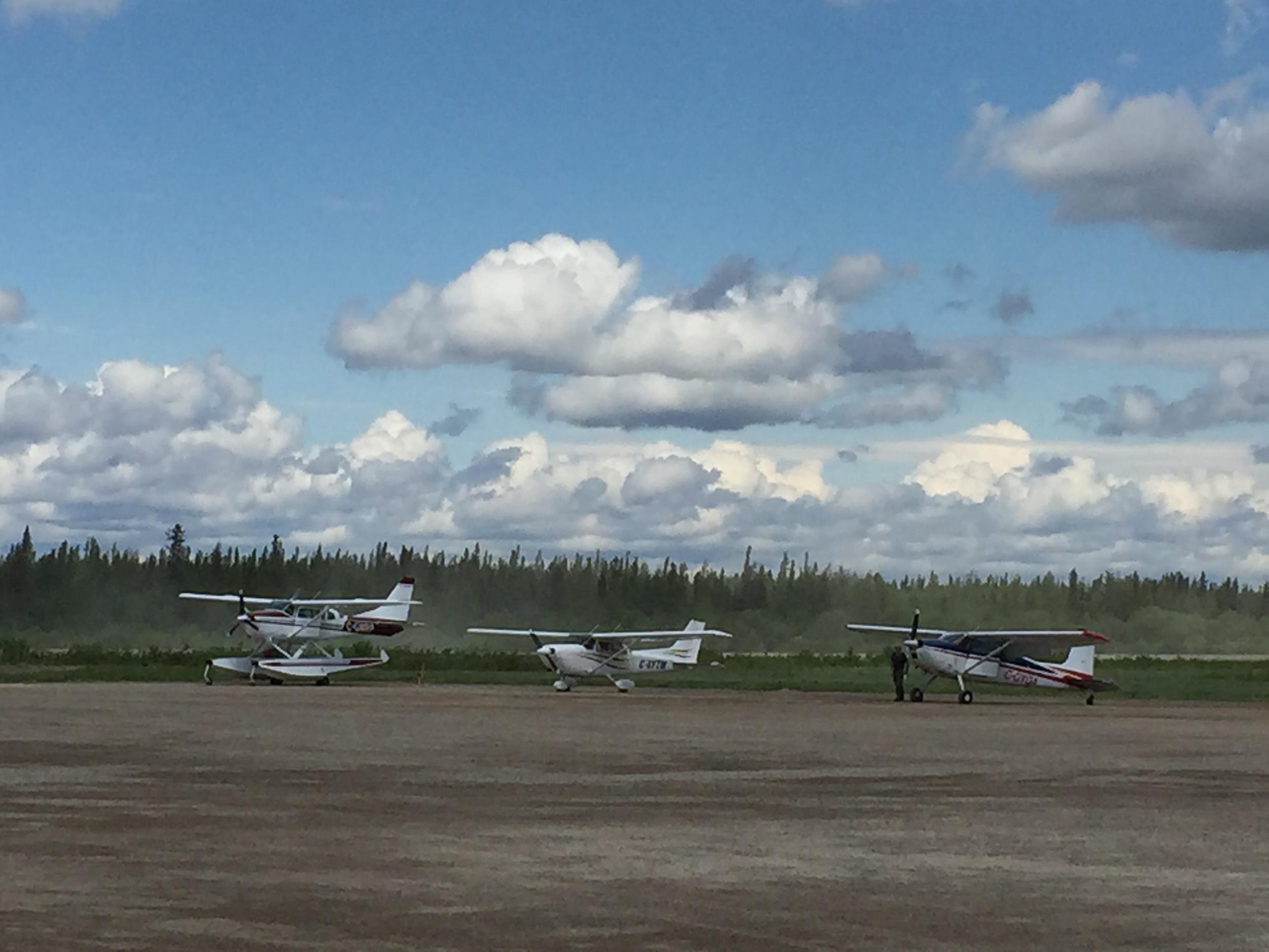 Planes in Attawapiskat.jpg