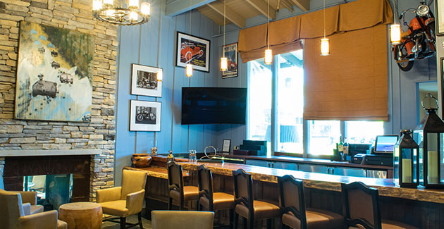 Quail Lodge Resort and Golf Course | The Covey Bar and Restaurant