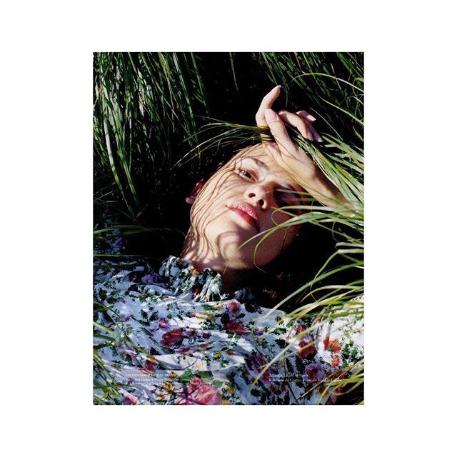Italian panorama | So Beautiful @goldengoosedeluxebrand dress on Vogue Italia August 2018 Style: @vittoriacerciello MUA: @ingmakeup Muse: @ianagodnia Photographer: @arianna.lago AD: @gb65 @vogueita @efarneti 🙏🏻 thanks #vogueitalia #sosweetpr #GoldenGooseDeluxeBrand #so__style