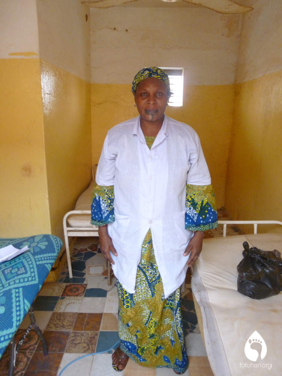 A Major at the Kouli Koira health clinic assists in our research.