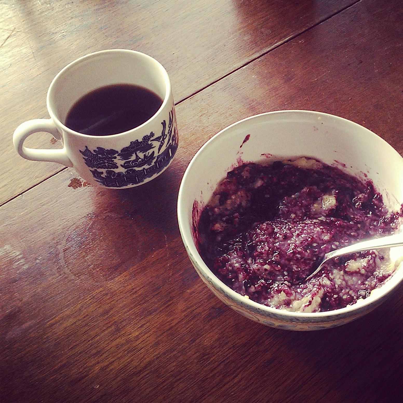Coffee and blueberry breakfast porridge