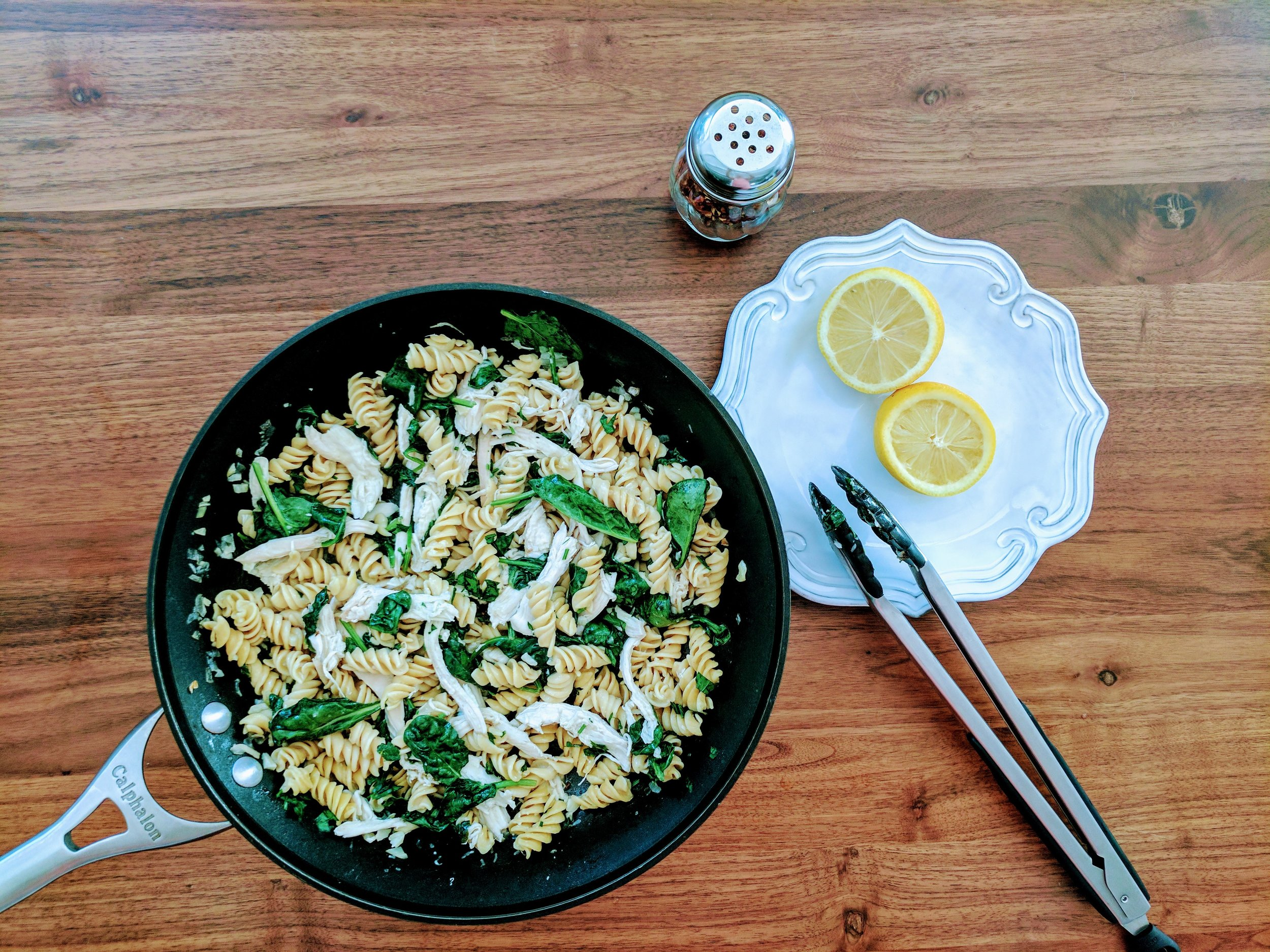 Rotini pasta, spinach, shallots, and rotisserie chicken (no tomatoes)