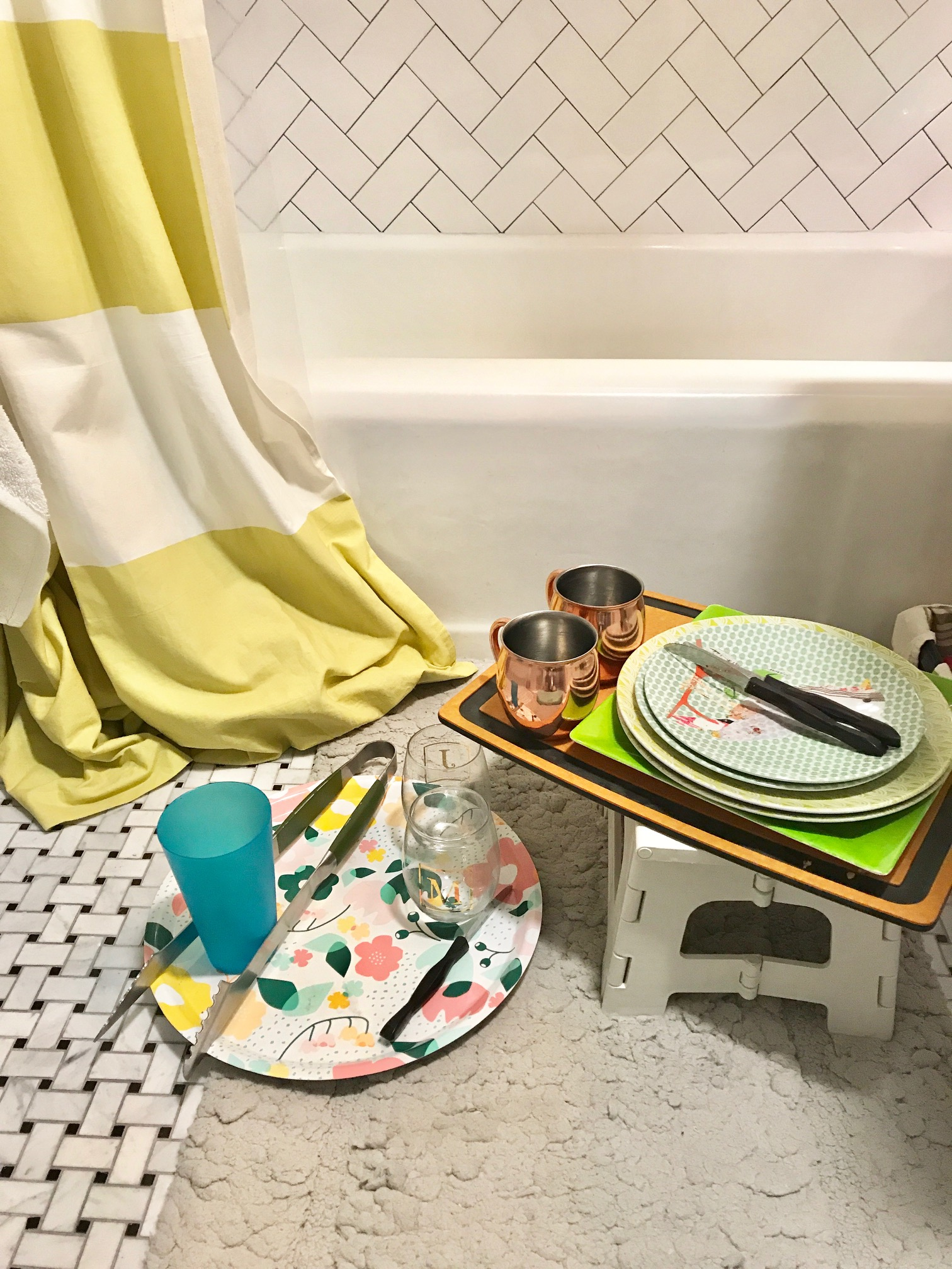 bathtub-dishes.jpg