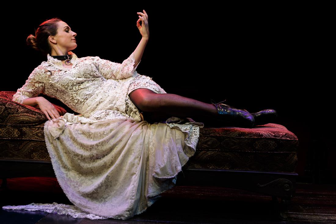 Caroline Kinsolving as Vanda - photo by Daren Scott