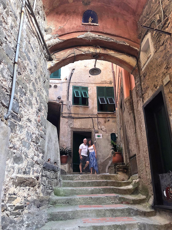 2018-ITALY_cinque-terre_vernazza_dave-dana_room-steps.jpg