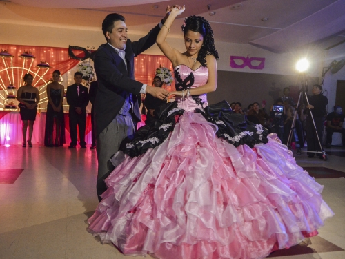 Coreografía Para Fiestas de Quince Años. Para que cada quinceañera se luzca al máximo en su fiesta de XV años.
