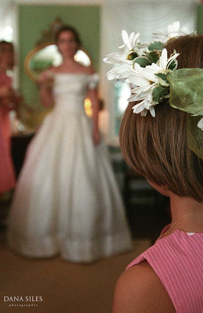 dana-siles-photography-weddings-preparation-15.jpg
