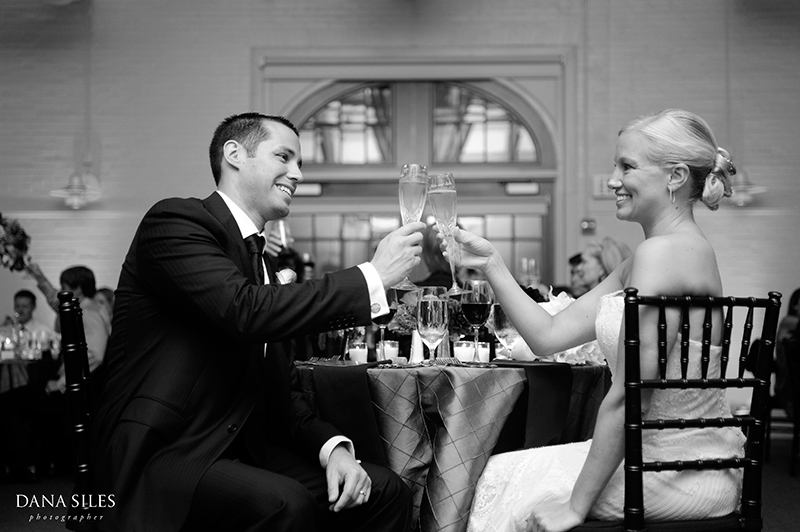 dana-siles-photography-weddings-cocktails-reception-28.jpg