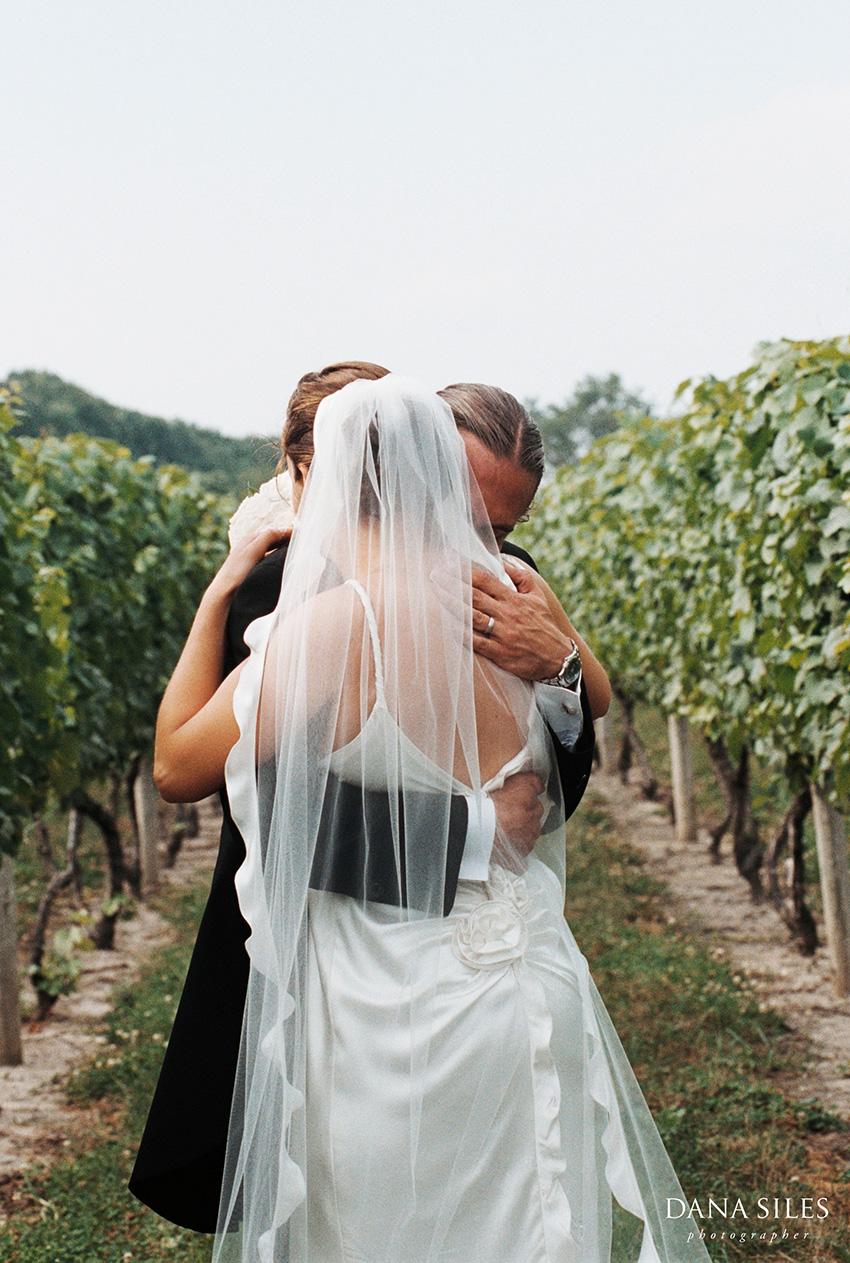 carolyns-sakonnet-vineyard-dana-siles-15