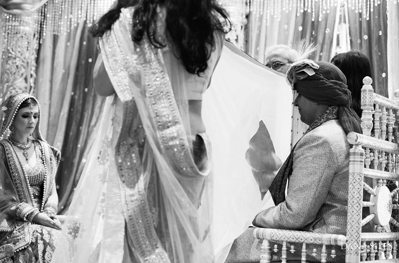 18_Asian-Chinese-Korean-Indonesian-Cambodian-Indian-Wedding-Photography-Copyright-Dana-Siles-Photographer