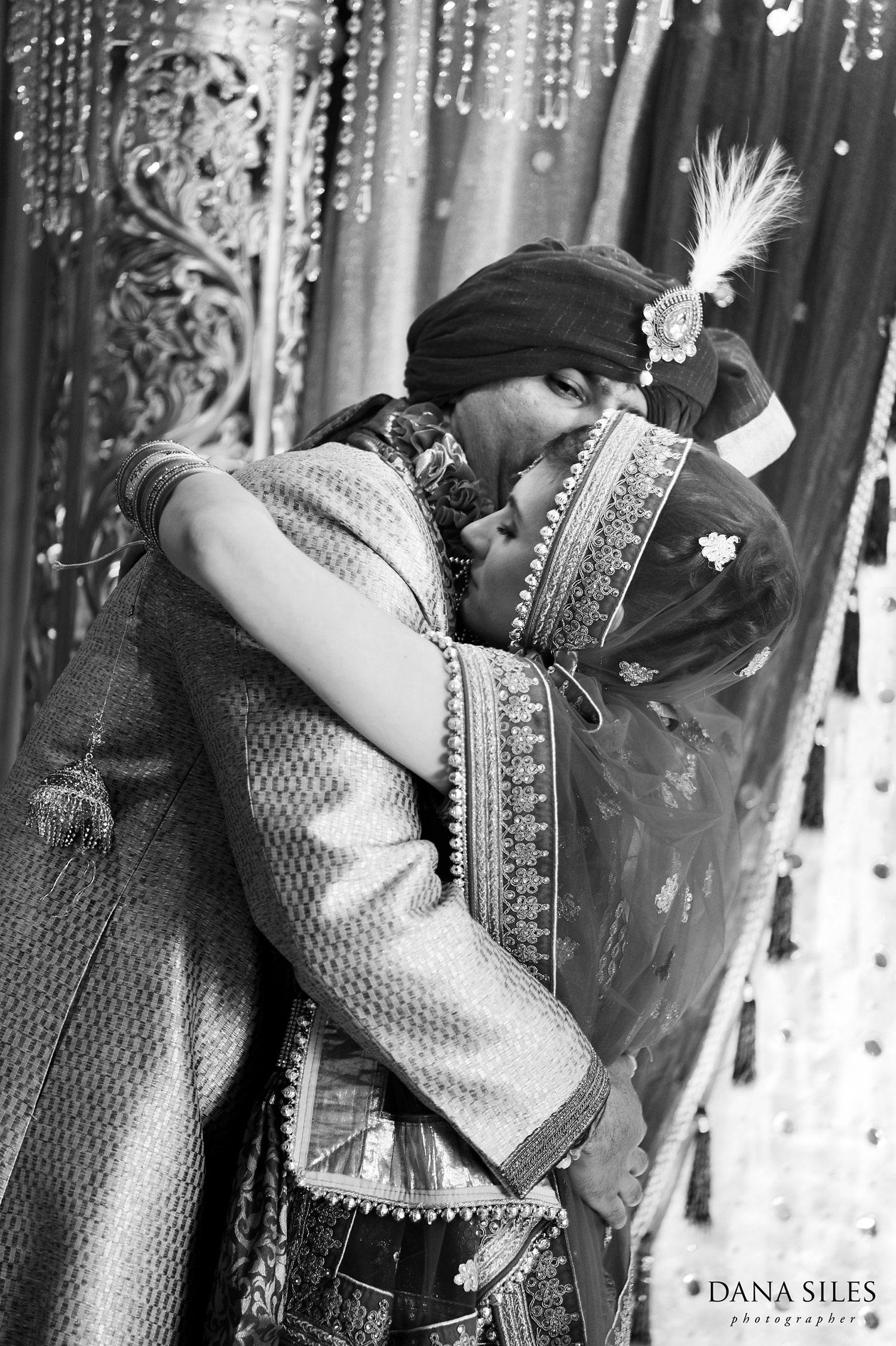 30_Asian-Chinese-Korean-Indonesian-Cambodian-Indian-Wedding-Photography-Copyright-Dana-Siles-Photographer