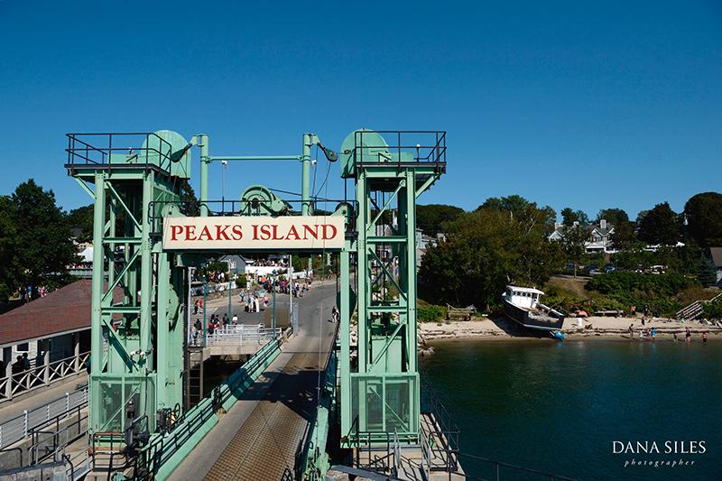 Inn-at-Peaks-Island-Maine-Wedding-Photography-Copr-Dana-Siles-Photographer_01