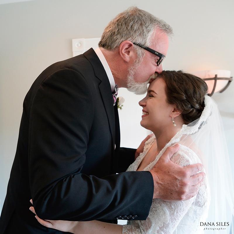 Inn-at-Peaks-Island-Maine-Wedding-Photography-Copr-Dana-Siles-Photographer_03