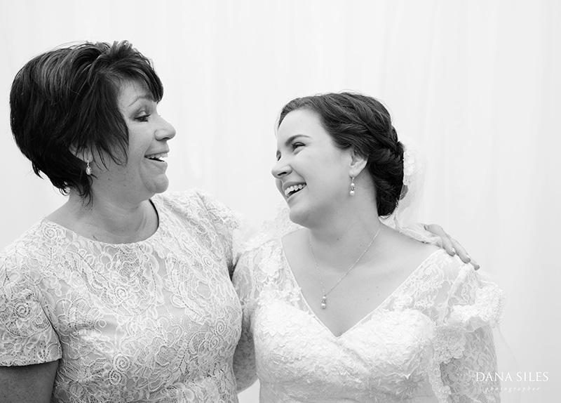 Inn-at-Peaks-Island-Maine-Wedding-Photography-Copr-Dana-Siles-Photographer_17