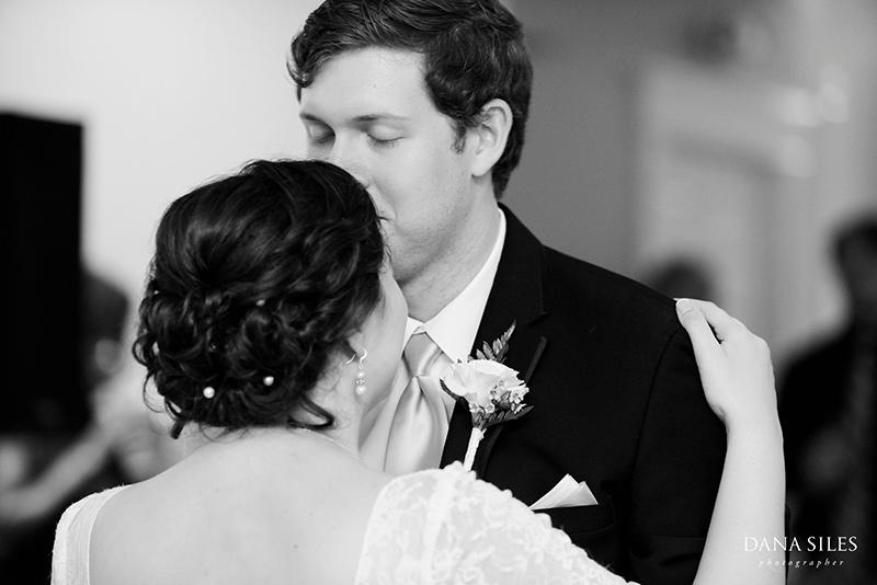 Inn-at-Peaks-Island-Maine-Wedding-Photography-Copr-Dana-Siles-Photographer_51