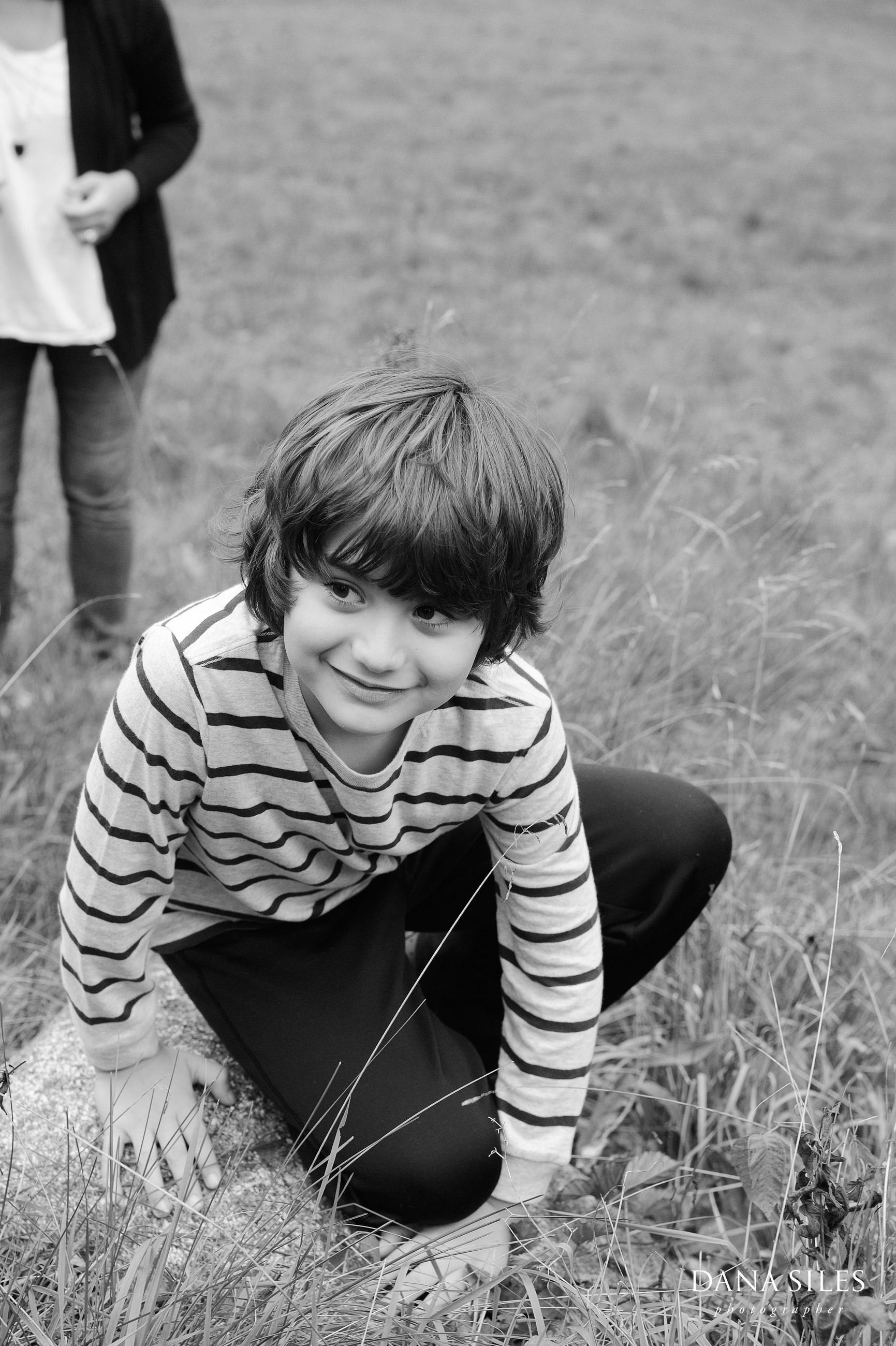 Phillips-Fall-Family-Portrait-Waltham-MA-Dana-Siles-Photographer-03