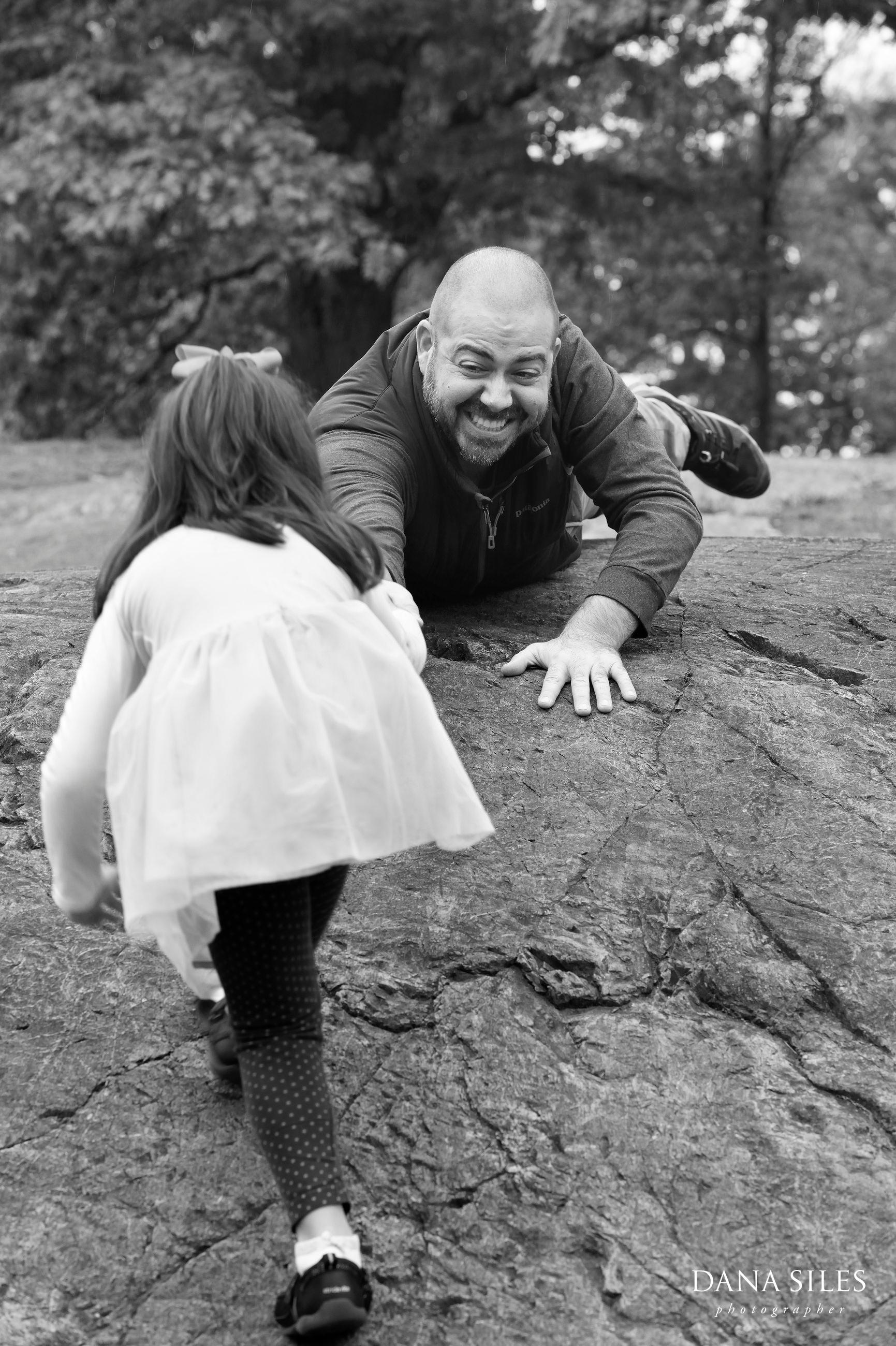 Phillips-Fall-Family-Portrait-Waltham-MA-Dana-Siles-Photographer-04