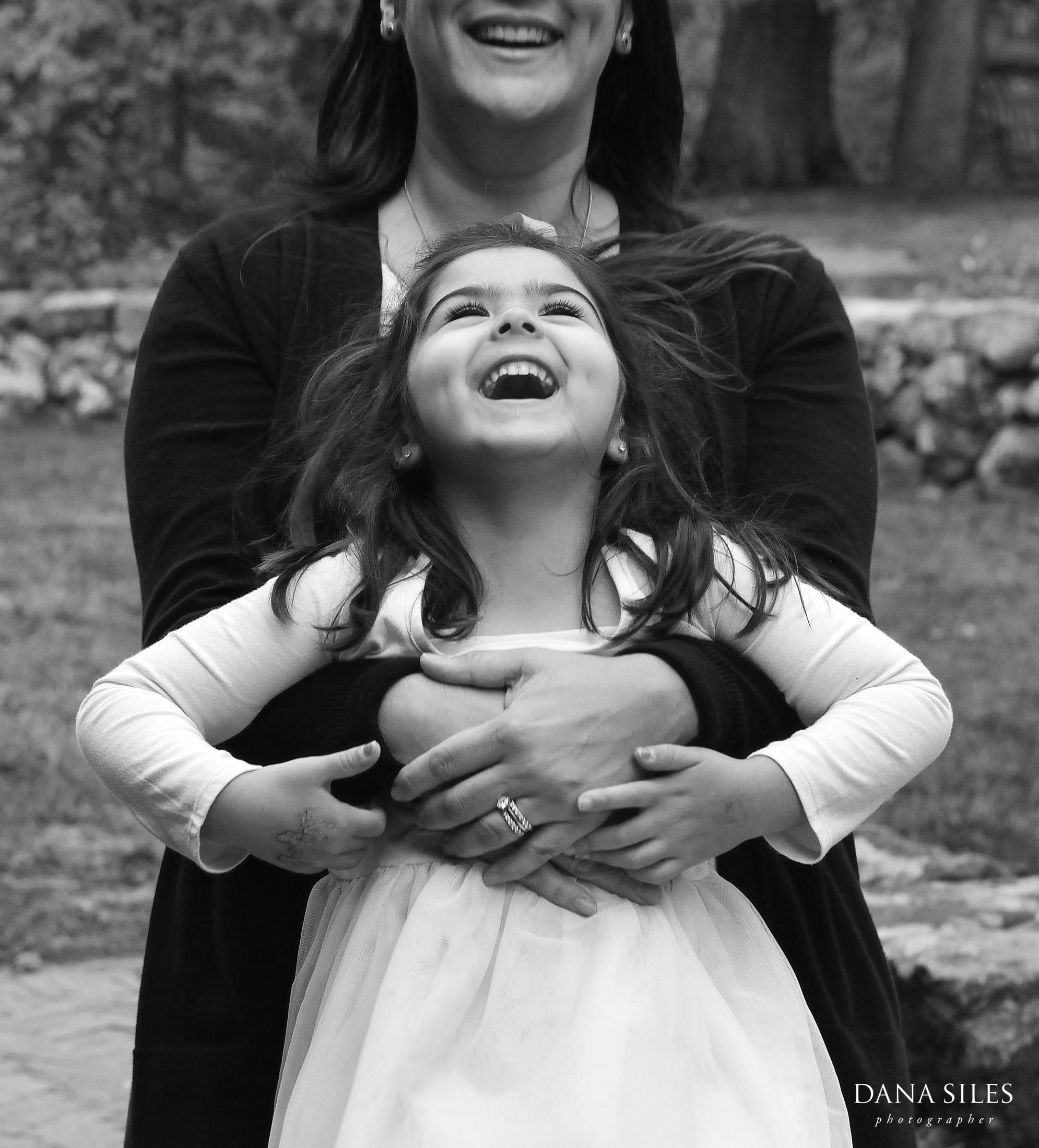Phillips-Fall-Family-Portrait-Waltham-MA-Dana-Siles-Photographer-06