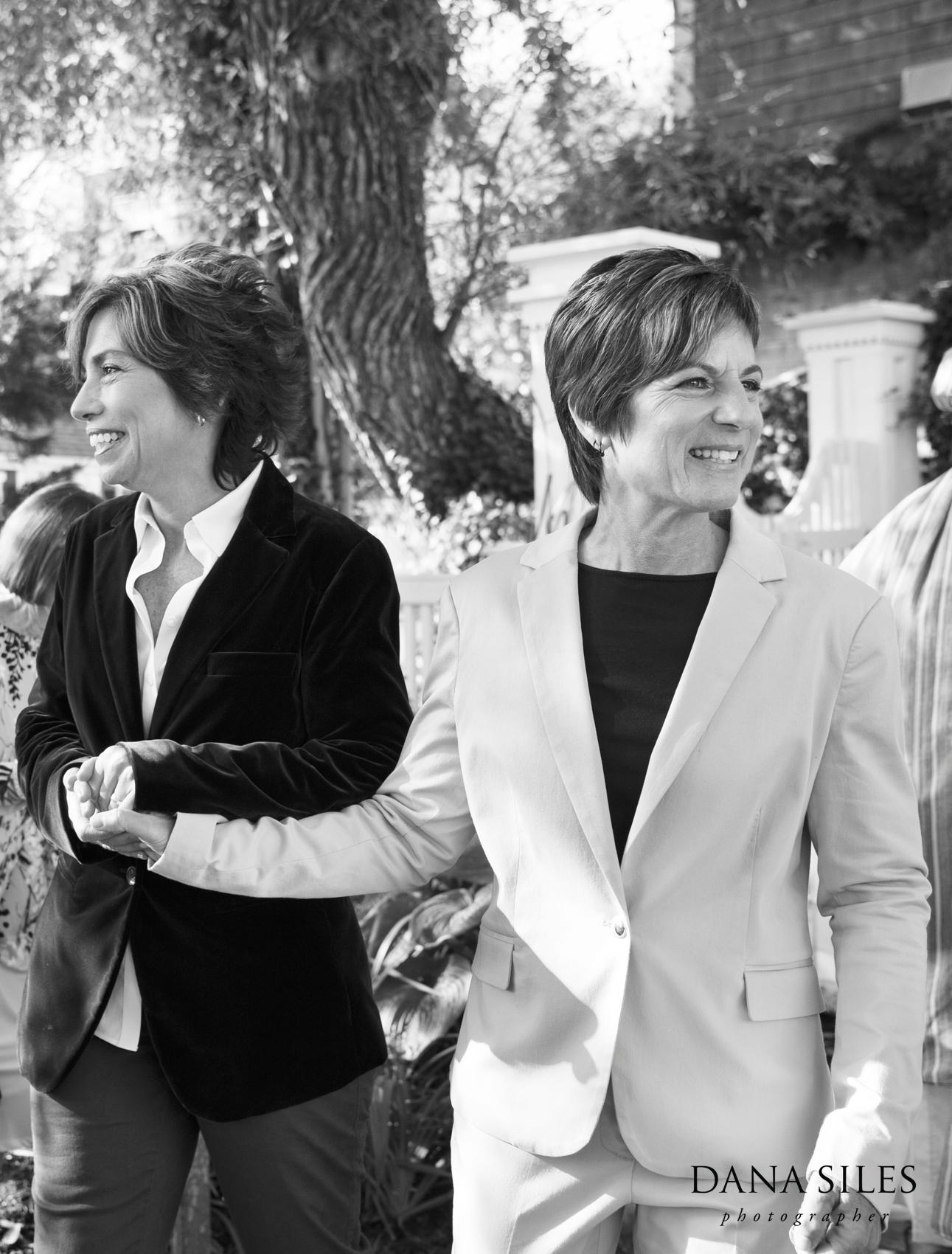 Provincetown-Massachusetts-lesbian-wedding-photography