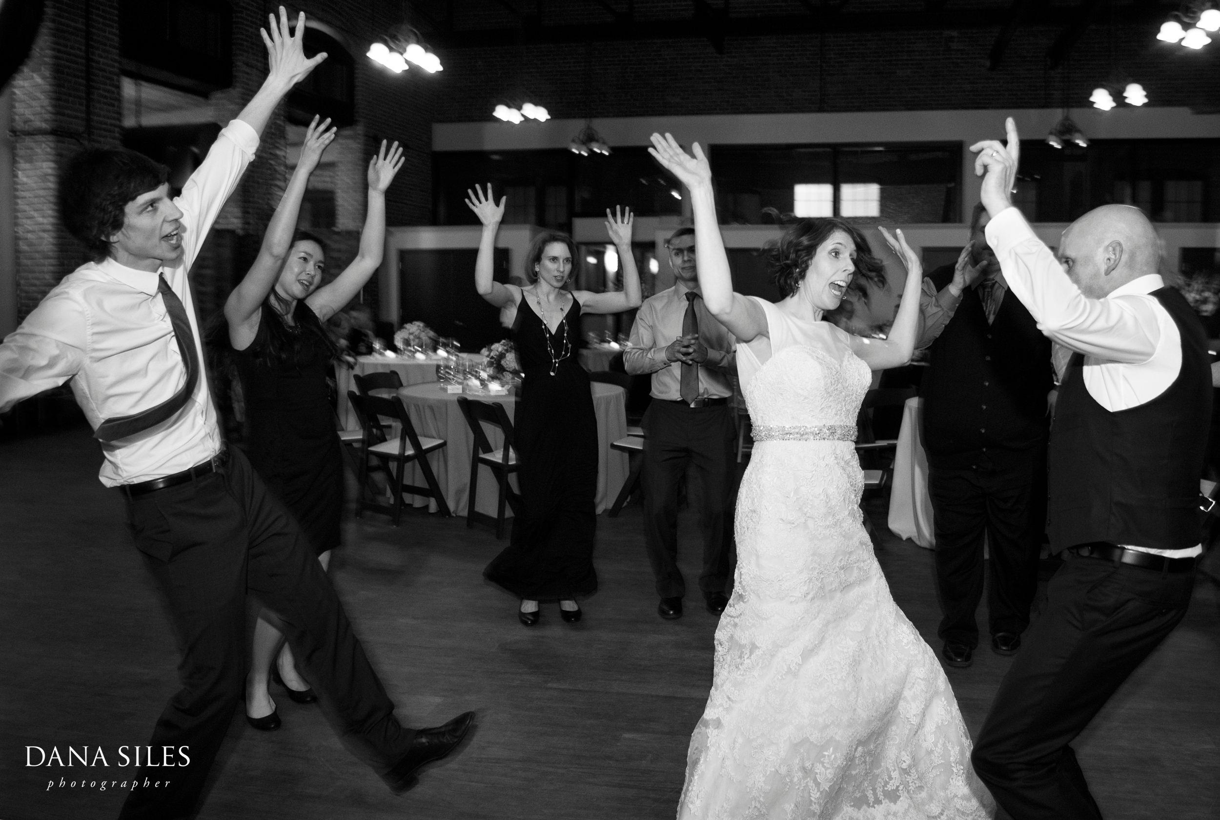 Charles-River-Museum-wedding-photos