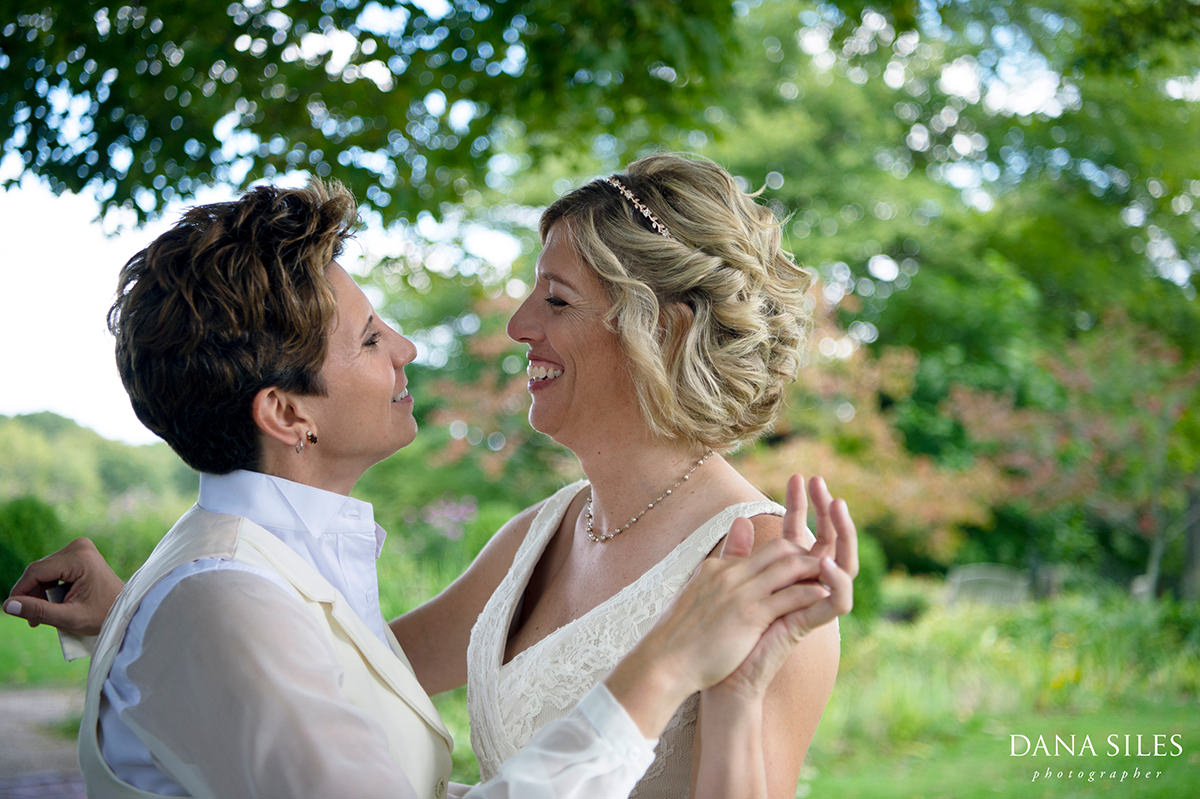 lgbt-wedding-brides-tyrone-farm-pomfret-connecticut