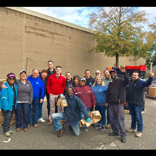 Thank you Rauhorn Electric Inc. for helping with the @gleanersfoodbank #community food distribution today at Butzel Family Center #healthpark. We appreciate your help & support for a #healthydetroit. It was a pleasure getting to know your employees & learning about the family business of 38 years!
