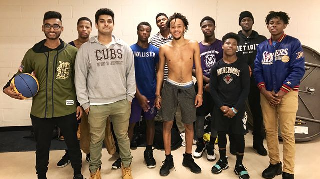 We're beyond excited and grateful to @nextupcampdetroit for allowing some of our youth to participate in their #basketball & career camp! Proceeds will benefit the youth program and additional health & wellness classes provided by #healthydetroit ...... The camp is June 15th & 16th from 9am-4pm and is open to boys & girls ages 11-17. For more information or to support, please click the link below. Thank you again for your support & interest in creating a #healthydetroit 🏀! #community #careergoals ...... https://www.gofundme.com/next-up-basketball-amp-career-camp