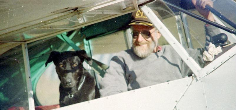 The Big Black Dog & Mur after a banner in the Cub