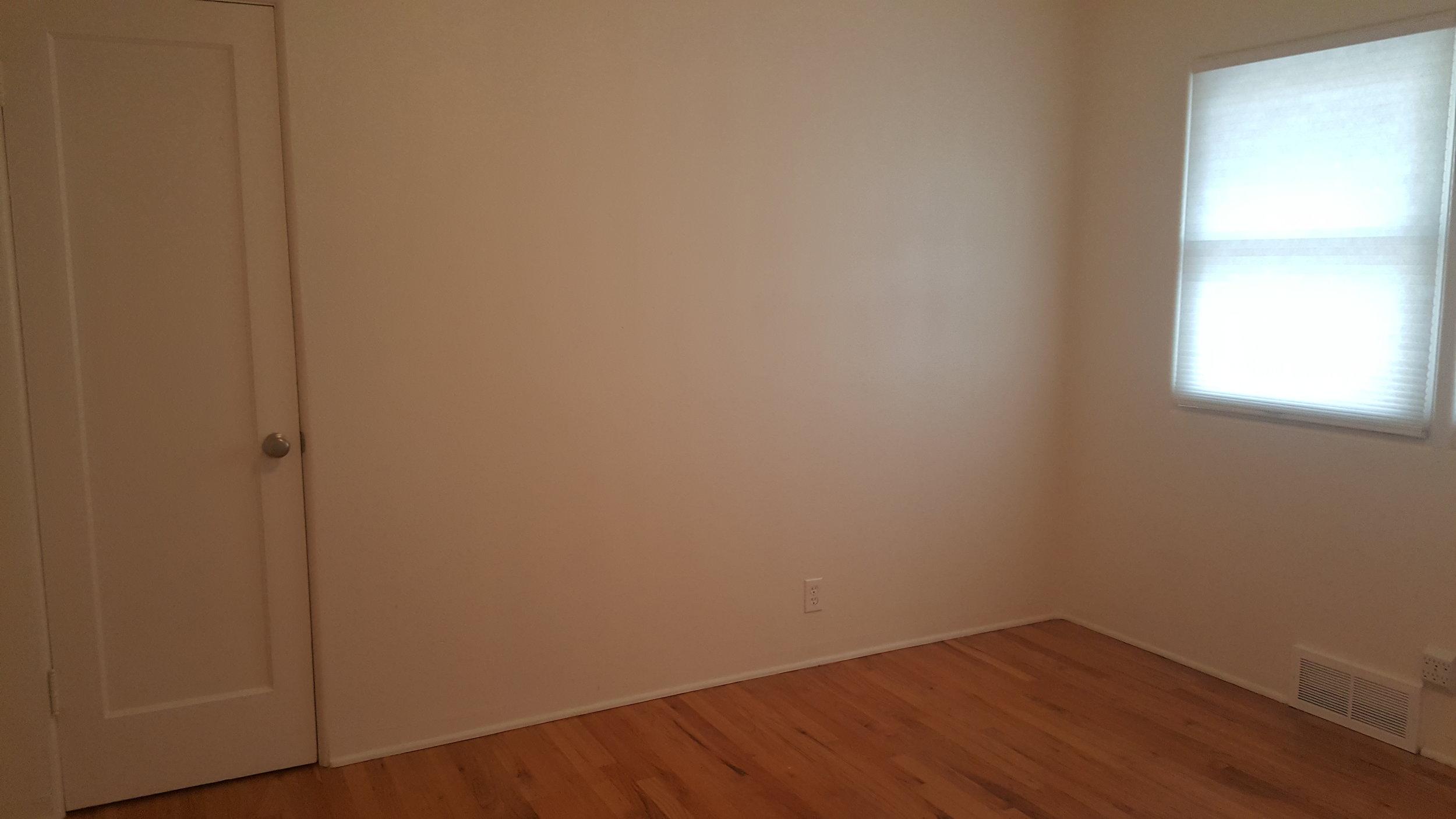 830 Woodford Upstairs Bedroom.jpg
