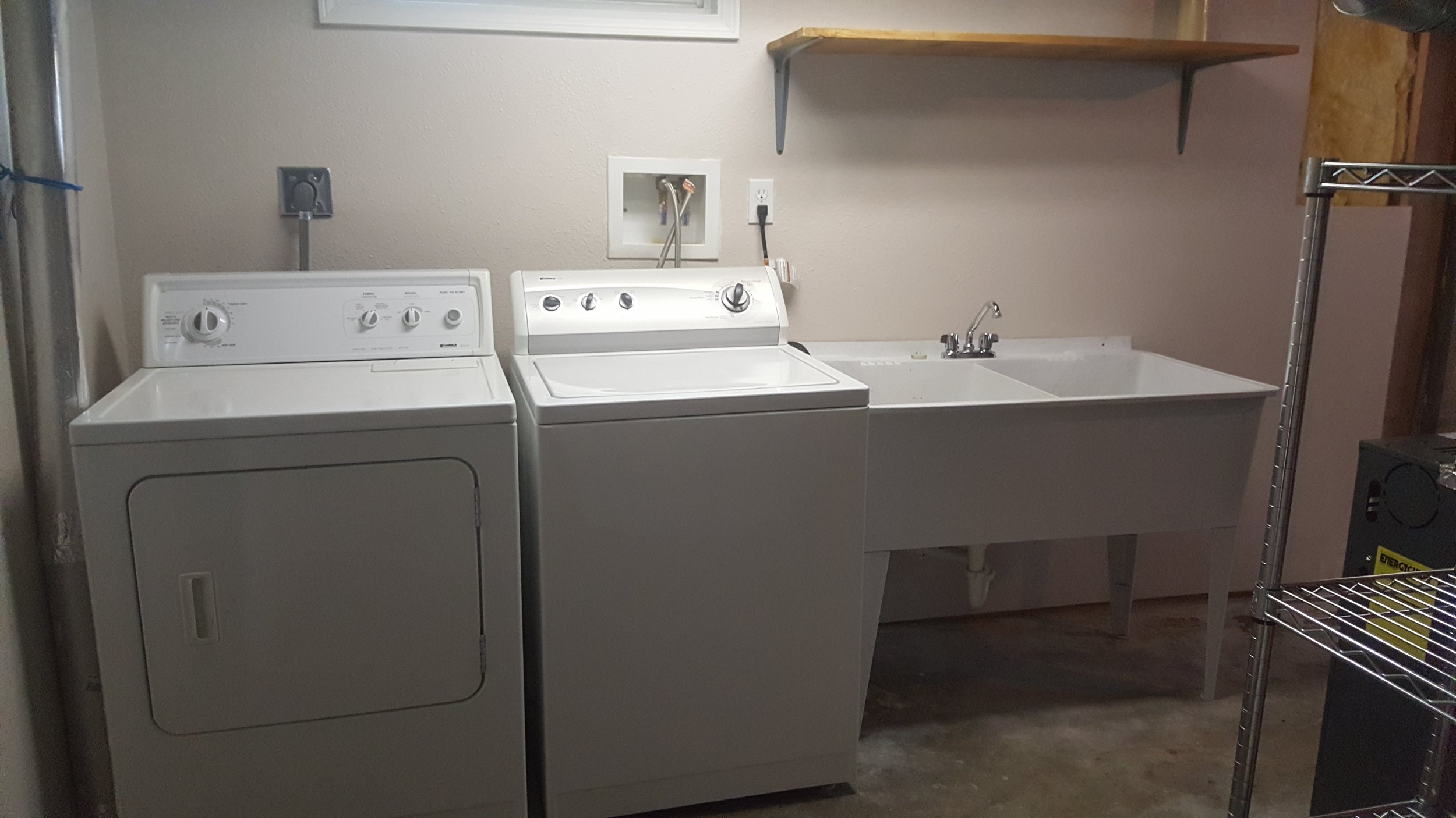 830 Woodford Washer Dryer.jpg