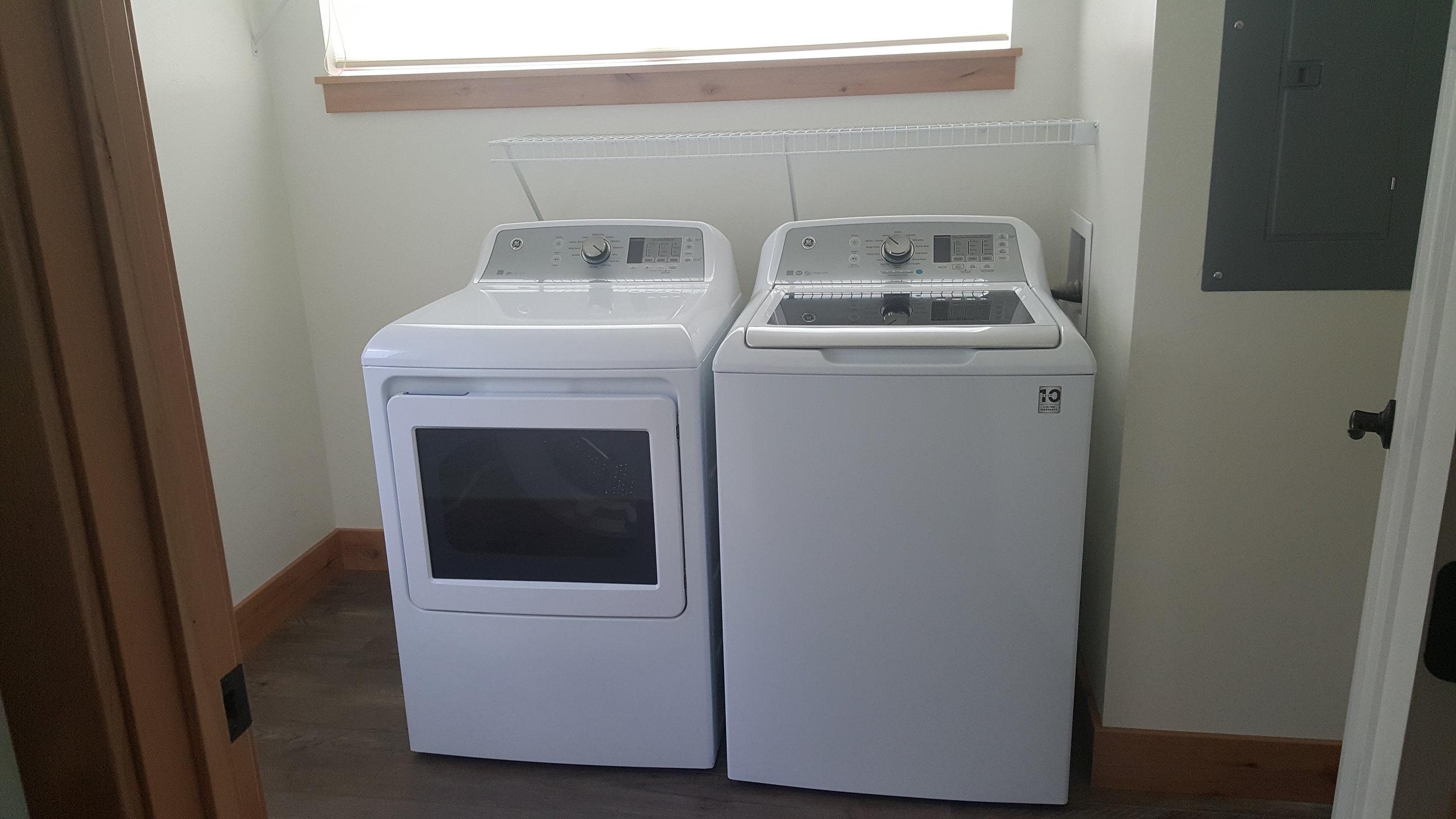 828 Woodford wahser and dryer.jpg