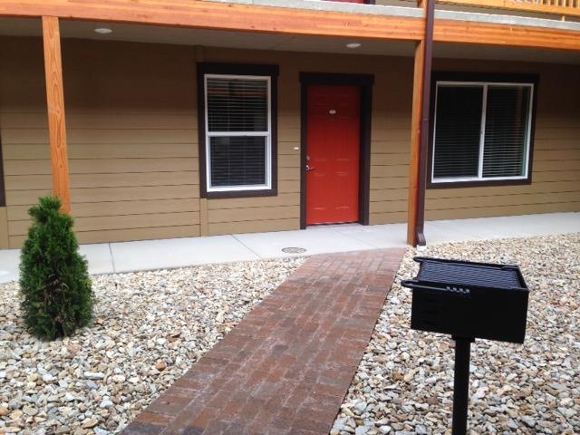 Courtyard to door unit 102.JPG