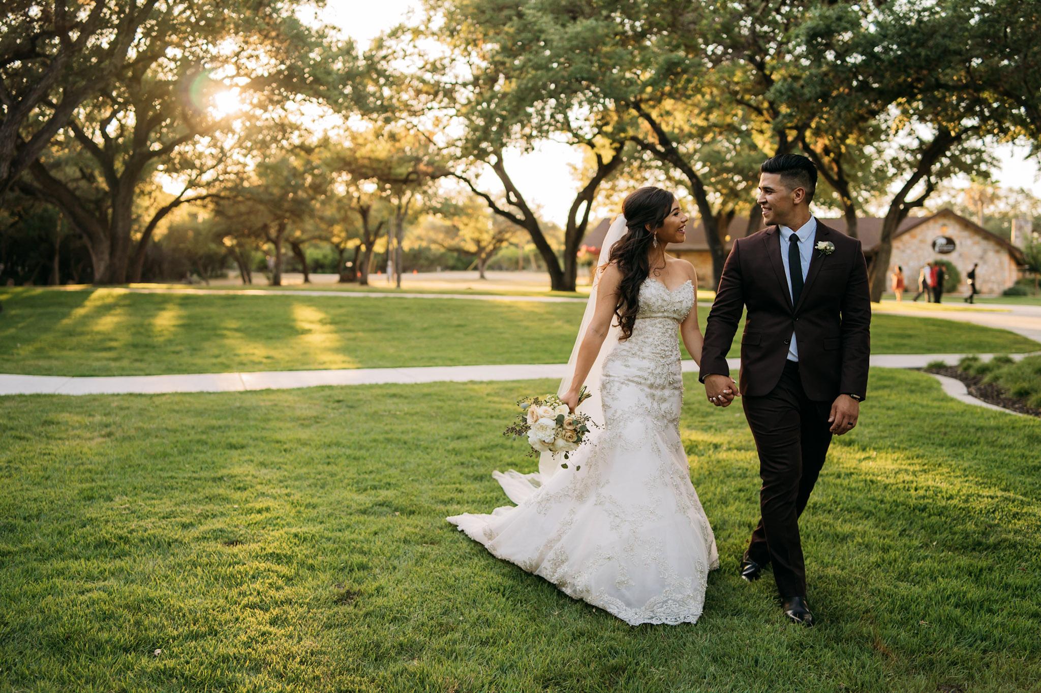 060718-A-JoeDel-Wedding-AdrianRGarcia-FOMAScine_AA98478.jpg