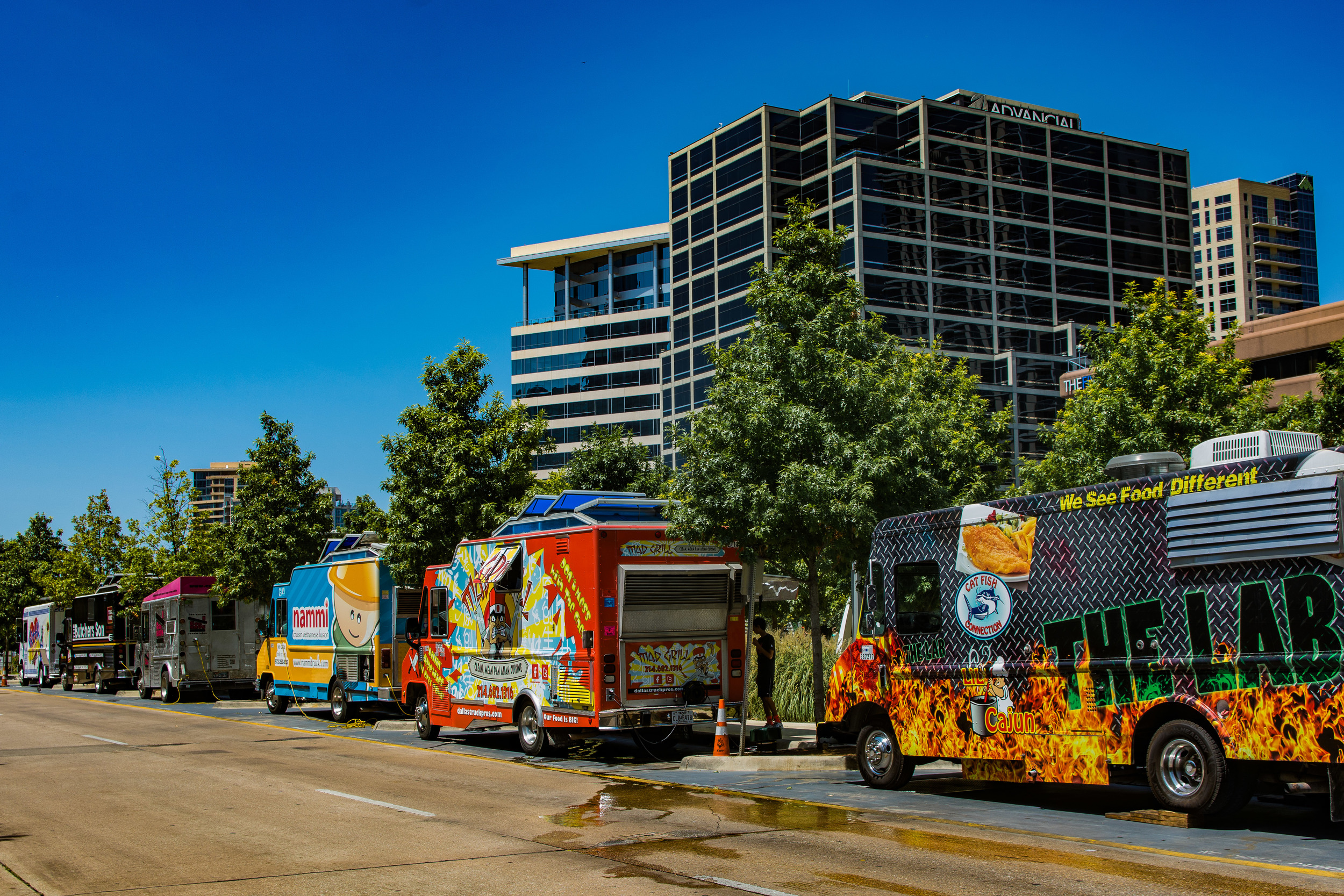Nifty food trucks in Big D.