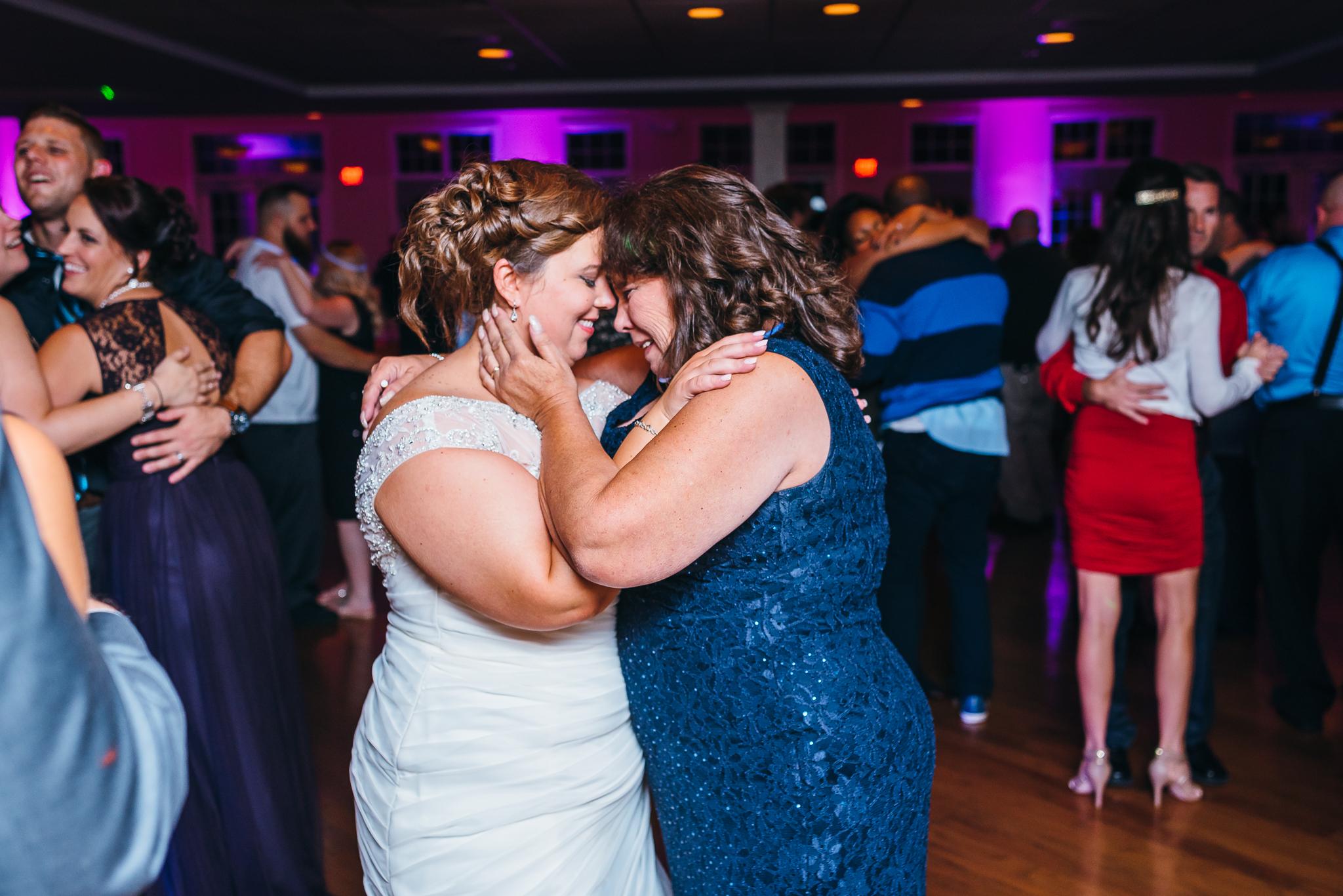 Flourtown_Country_Club_Wedding_NW-0064.jpg