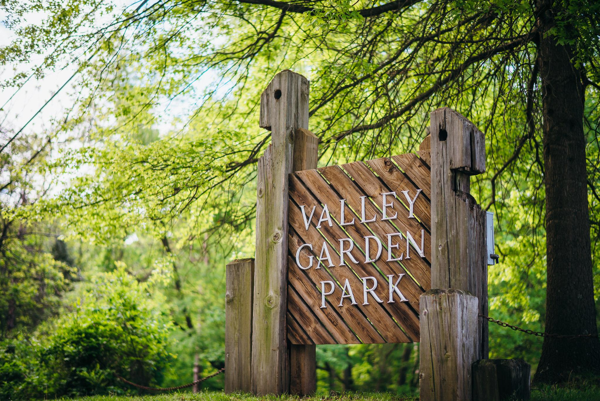 Valley-Garden-Park-Engagement-Session-0003.jpg