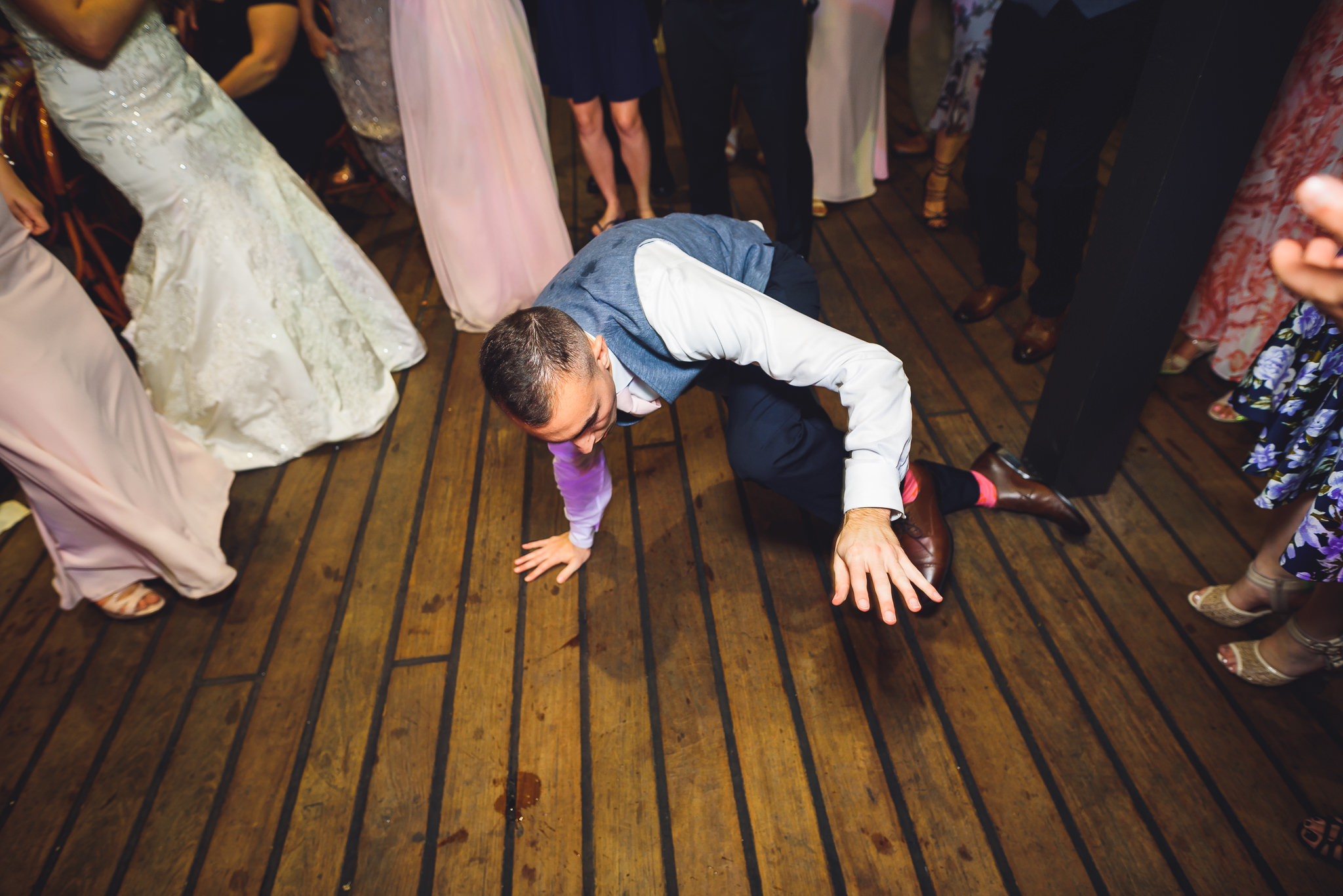 Moshulu-Wedding-Photographer-0071.jpg