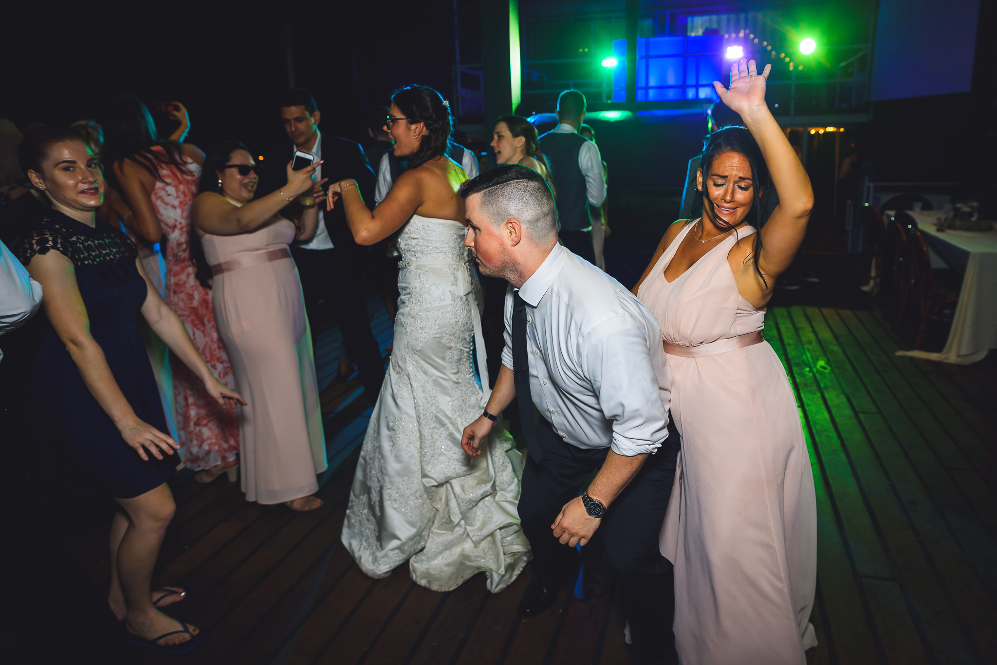 Moshulu-Wedding-Photographer-0074.jpg